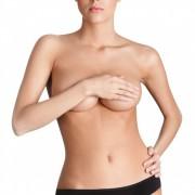 דוגמנית לאחר ניתוח הגדלת חזה