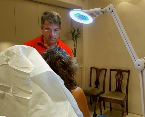 """ד""""ר אורי שבשין בטיפול העלמת קמטים"""